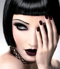 Миниатюра к статье Красимся как эмо: особенности создания макияжа эмо