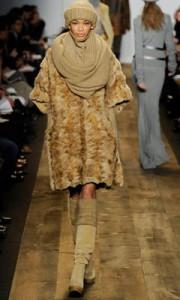 модная вязаная шапка фото