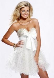 Миниатюра к статье Маленькое белое платье. Советы по выбору белого платья