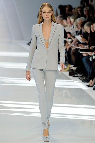 Стильный деловой костюм женский