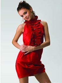 Миниатюра к статье Как выбрать модные платья на выпускной?