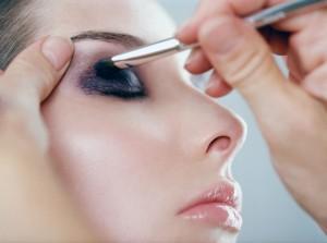 Миниатюра к статье Техника нанесения макияжа