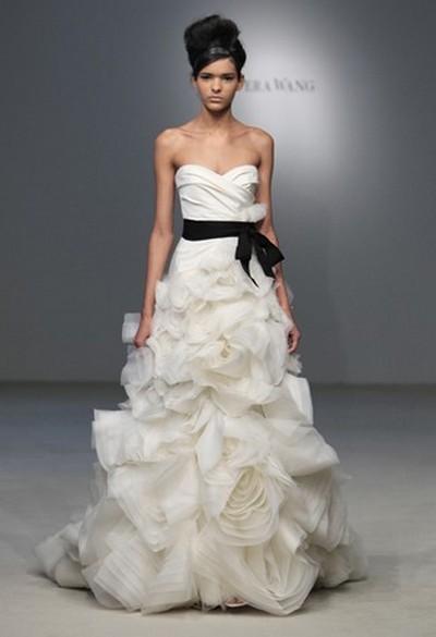 модное свадебное платье от Веры Вонг 2011-2012