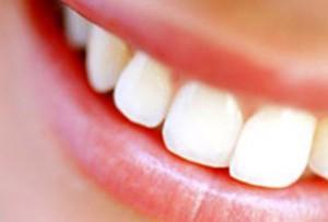 отбеливание зубов народными средствами фото