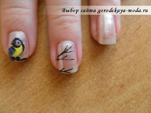 веточка дерева на ногтях