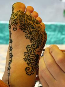 рисунки хной на ногах
