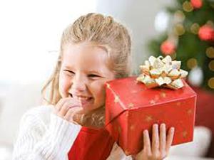 что подарить ребёнку на Новый год 2018