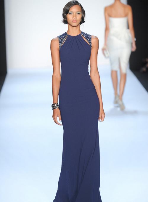 Самые свежие модели синих платьев с