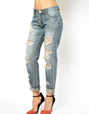 Миниатюра к статье Как сделать рваные джинсы своими руками