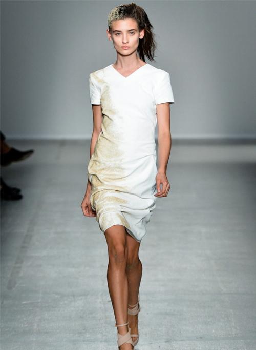 Миниатюра к статье Белые платья весна-лето 2014 — модный тренд сезона