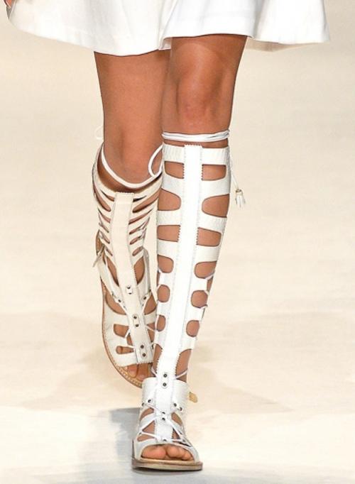 Letnjaja-obuv'-s-modnyh-pokazov-Tracy-Reese