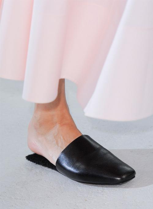Letnjaja-obuv'-s-modnyh-pokazov-Véronique-Leroy