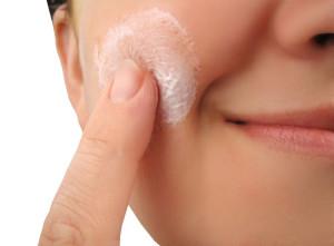 Миниатюра к статье Как сделать красивый макияж в домашних условиях