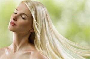 Миниатюра к статье Как осветлить волосы лимоном в домашних условиях