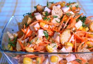Как приготовить салат с капустой и колбасой