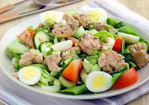 Вкусный салат из печени трески к празднику